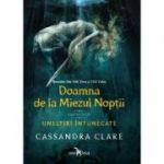 Doamna de la Miezul Noptii (cartea intai a seriei Uneltiri intunecate) - Cassandra Clare