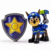 PAW PATROL Chase spion - Figurina si insigna (6022626)