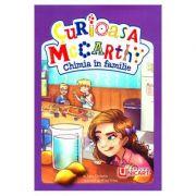 Curioasa McCarthy. Chimia in familie - Tory Christie
