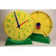 Ceas demonstrativ din plastic colorat cu diametrul de 27 cm