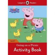 Peppa Pig. Going on a Picnic Activity Book. Ladybird Readers Level 2
