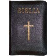 Biblia mare, 073, coperta piele, neagra, cu cruce, margini aurii, repertoar, fermoar