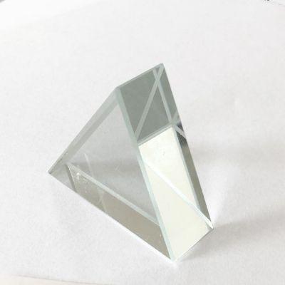 Prisma triunghiulara echilaterala din sticla